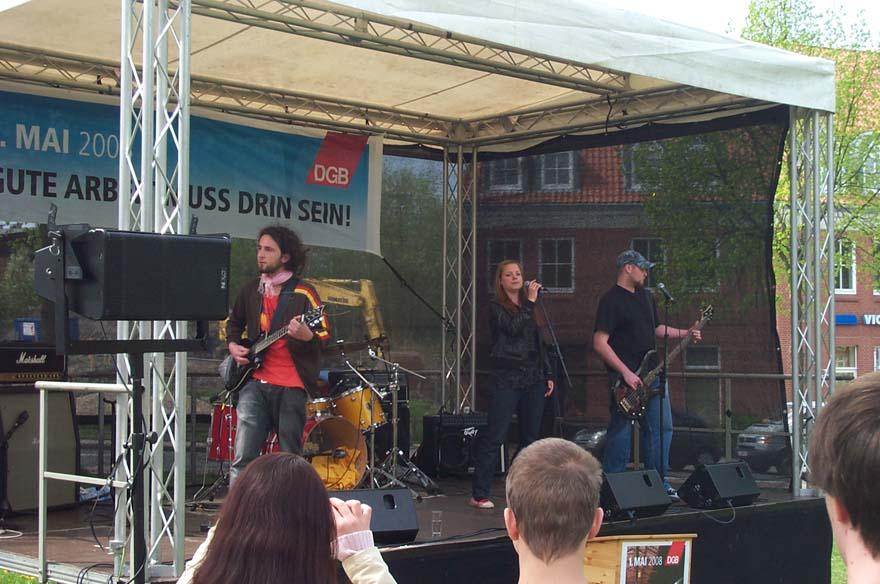 "Gruppe ""Black Tea vs. Noise"" vom Projekt ""1000 Steine"" der Jugendhilfe Lüneburg e.V."