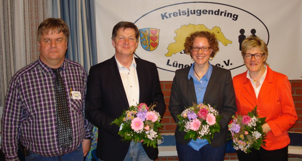Die RednerInnen und der Gastgeber