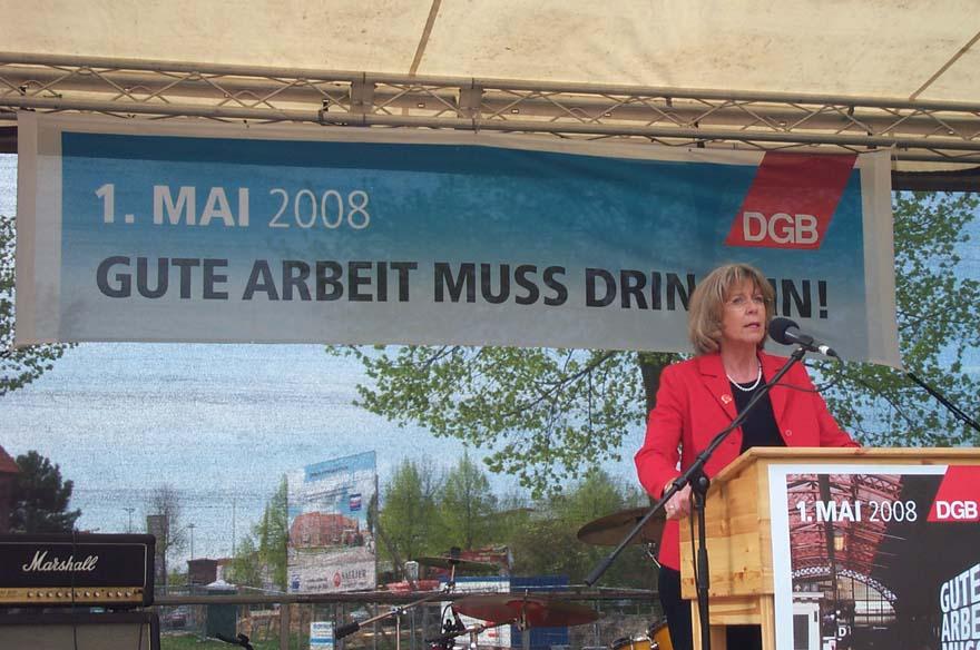 Stellv. Landesbezirksleiterin ver.di Niedersachsen-Bremen bei Hauptrede 1. Mai in Lüneburg