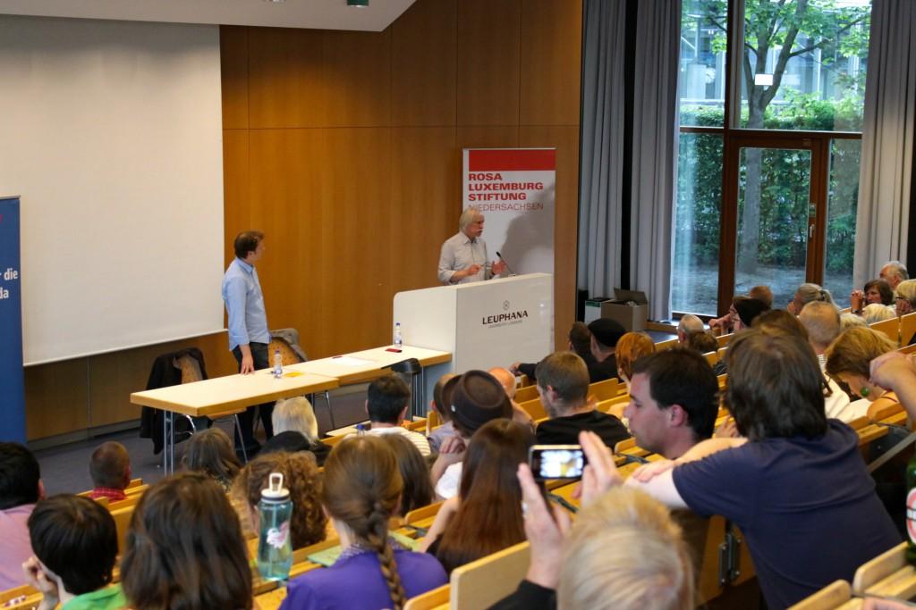 (© 2015 Georg Gunkel-Schwaderer) Mit gut 100 Personen war die Veranstaltung in Lüneburg gut besucht