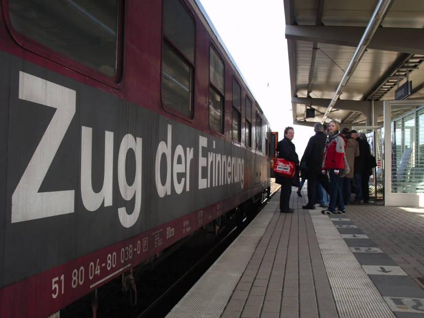 """Eröffnungsfeier """"Zug der Erinnerung"""" Bild 1"""
